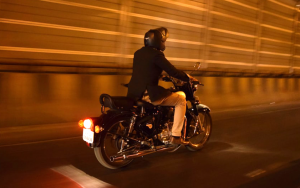 Motorcyclist (photo: Unsplash)