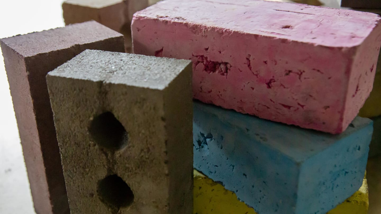 Da una startup scozzese il mattone ecologico prodotto con materiali edili di scarto