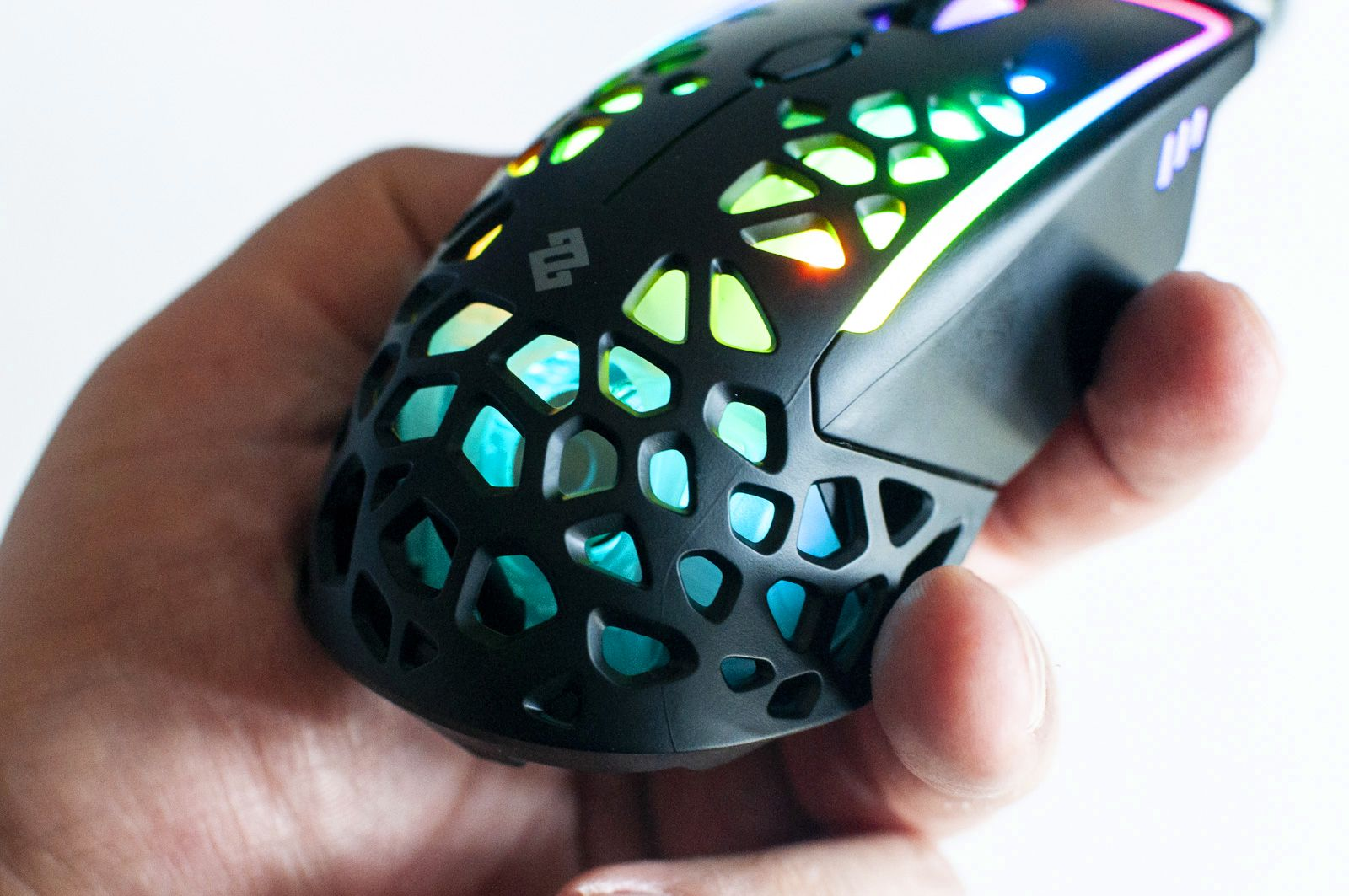 Zephyr, il mouse da gaming col ventilatore incorporato
