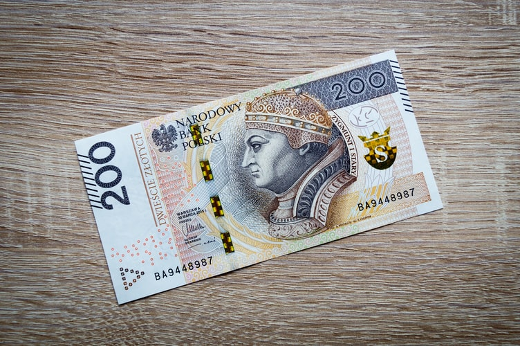 The future of notes is plastic