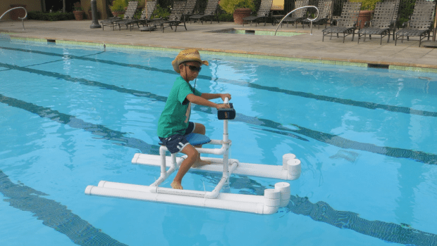 Costruisci una moto d'acqua a idrogetto per la piscina