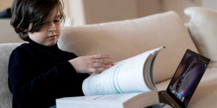 Laurent Simons, il bambino prodigio della scienza, si laurea in fisica a 11 anni
